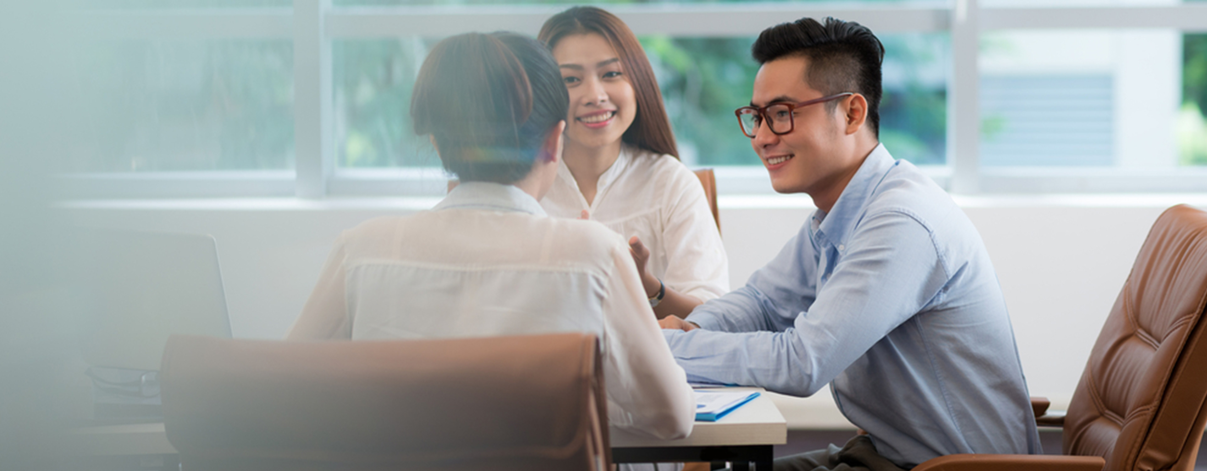 How to demonstrate your interpersonal skills in the workplace